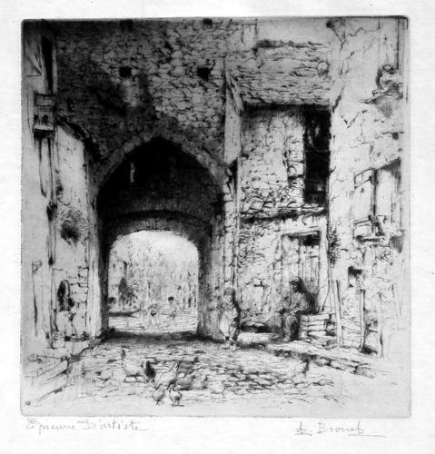 une porte de ville ancienne